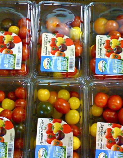 medley-clamshell-tomatoes-101lb_4423876592_o